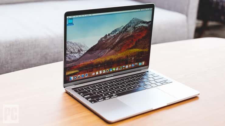 Latest 2018 MacBook Pro 13inch / 512gb Storage / 8gb RAM