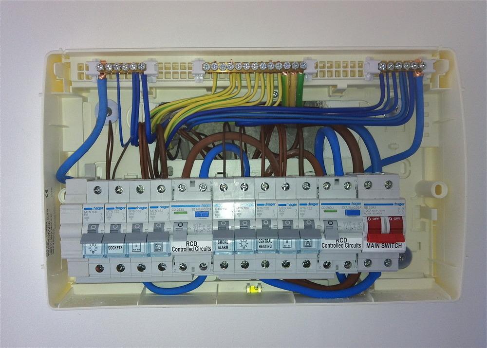 Circuit Breaker Teardown And Defective Siemens Latching Mechanism Page 2 Mike Holt S Forum