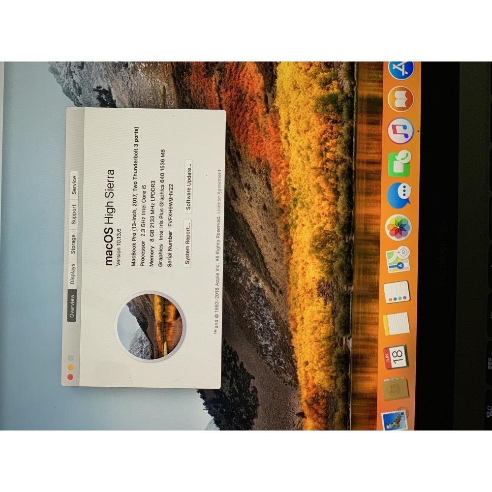 Used 2017 MacBook Pro 13/8GB RAM / 128GB SSD/ 2 3GHz/Space